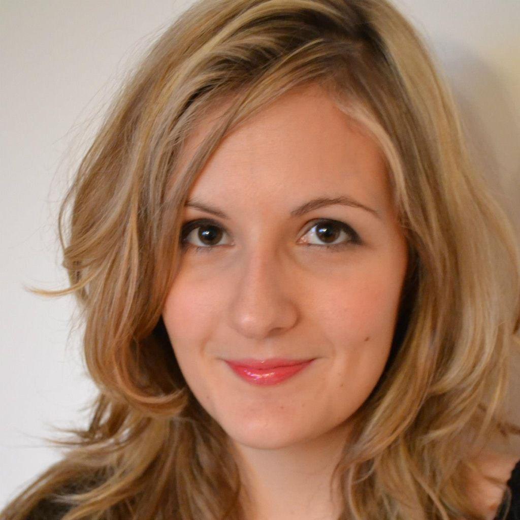 Rencontre avec la comédienne Emilie Lecouvey !