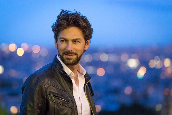 Le chanteur Donoré vous présente son nouvel album « L'Amour En Deux ». Rencontre à L'Européen !