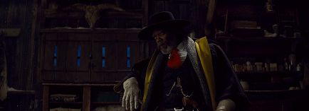 The Hateful Eight : Marquis Warren the Traitor. (2600 words)
