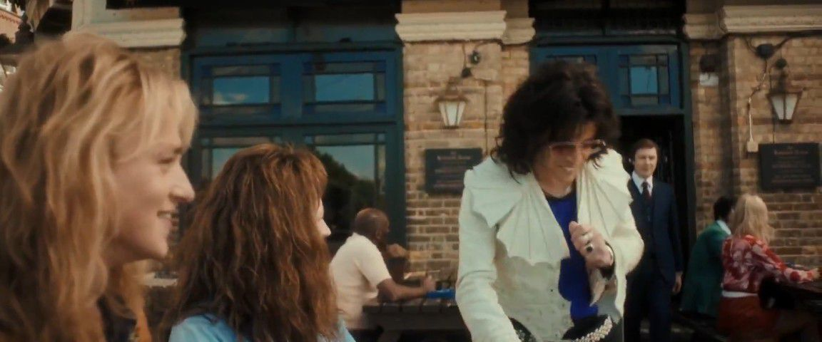 Bohemian Rhapsody: The Contract Signing Scene isn't Badly