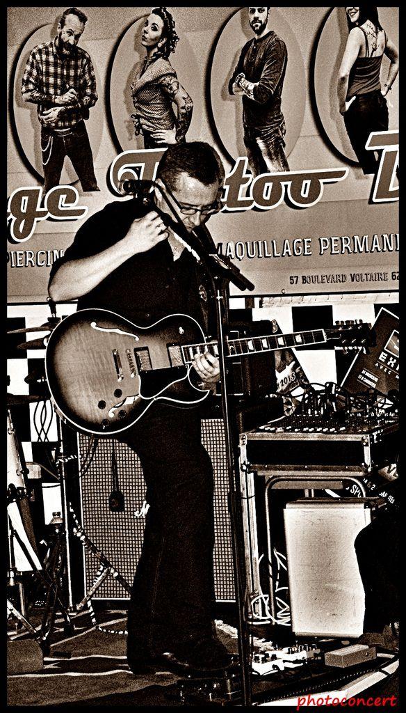 Nash and The Delaware en concert au vintage tattoo bar