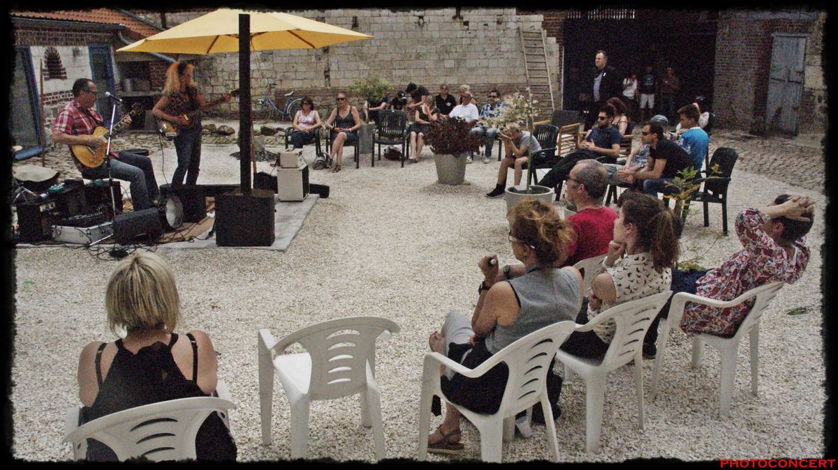 Black cat joe &amp&#x3B; Miss corina au Domaine des Pierres a ACQ