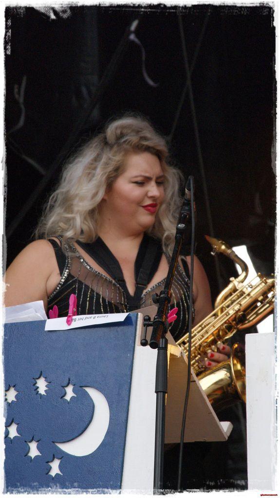 Laura B and her Band bethune retro 2016