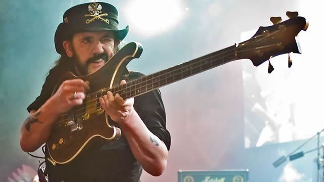 Alice Cooper and Metallica joined the chorus of rockers expressing their admiration for Motörhead singer Lemmy Kilmiister, who died Monday