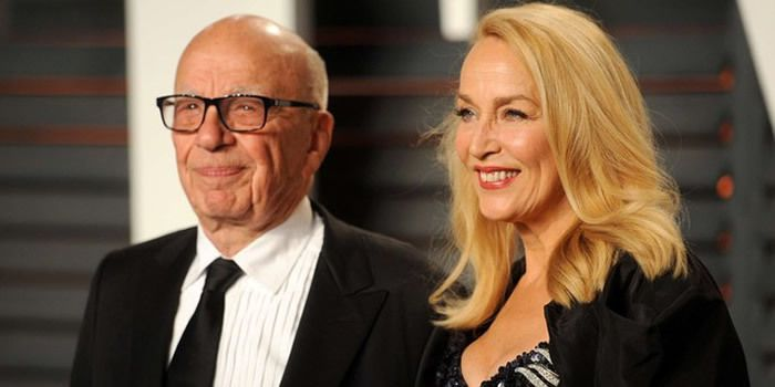 Ruppert Murdoch et Jerry Hall le 28 février 2016 à Los Angeles