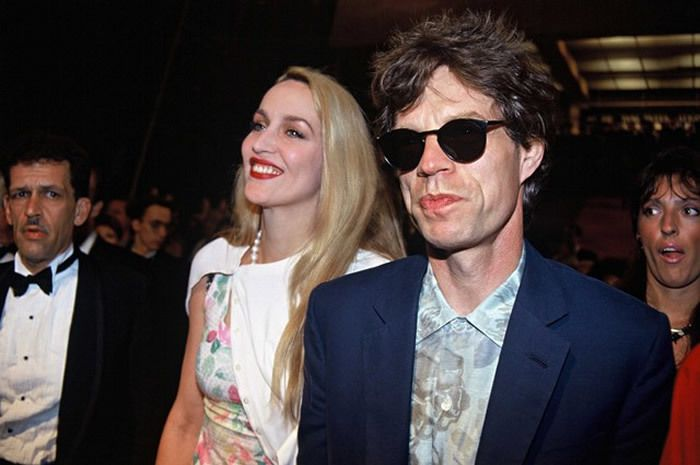 Jerry Hall et Mick Jagger en 1990 à Cannes