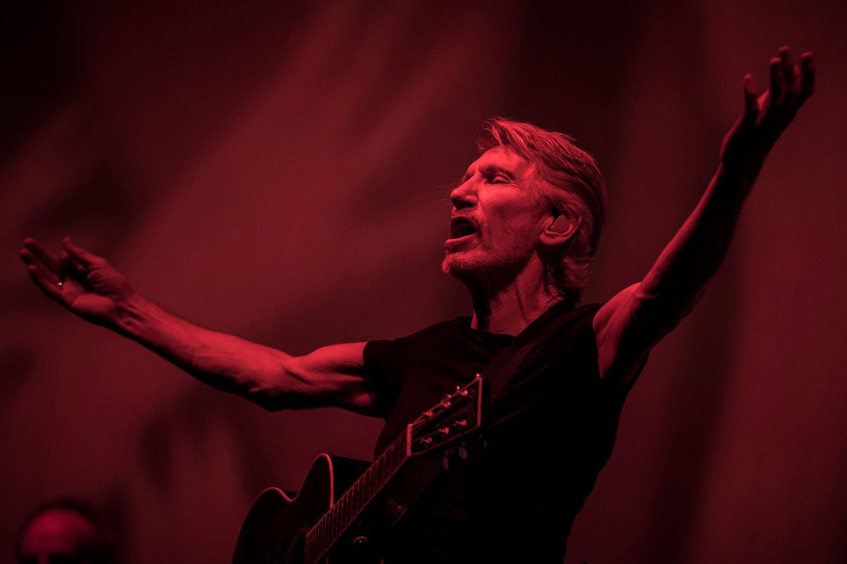 Roger Waters's set included songs from his former band, Pink Floyd. Credit Carlos Gonzalez for The New York Times