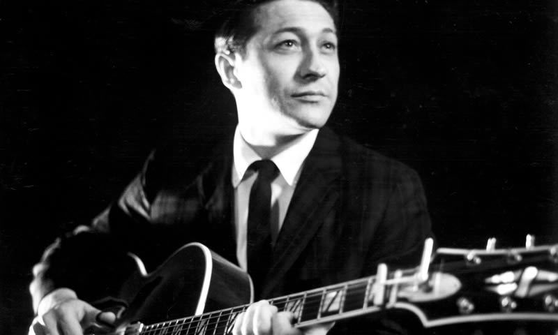 Scotty Moore, guitarist on Elvis's early hits, dies aged 84