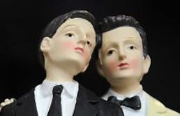 Qui, parmi les homos célèbres, aurait consenti au mariage gay?