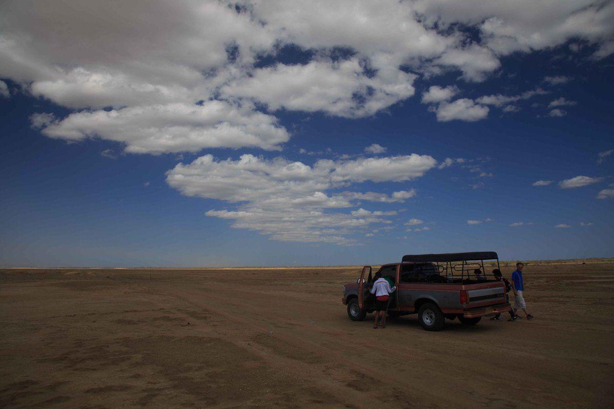 On the road dans le désert