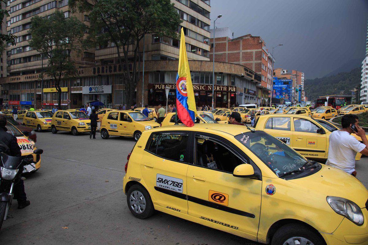 Même en Colombie, les taxis manifestent contre UBER !!