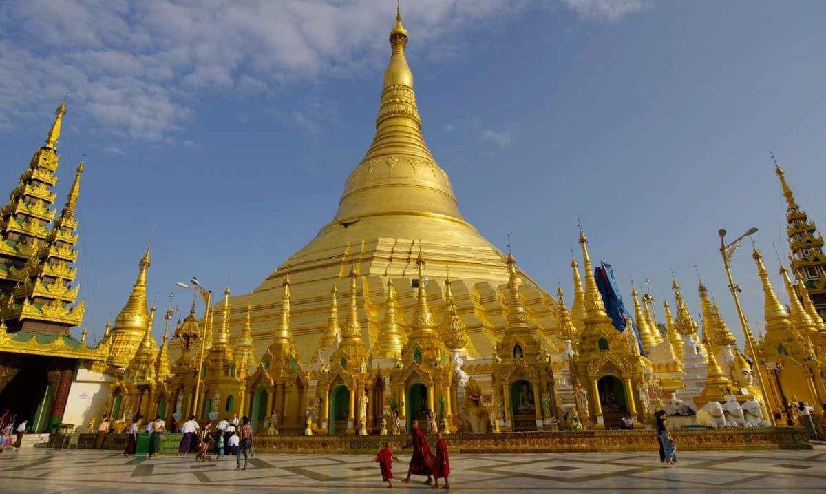 Yangon, ses pagodes dorées, ses quartiers animés et sa pauvreté