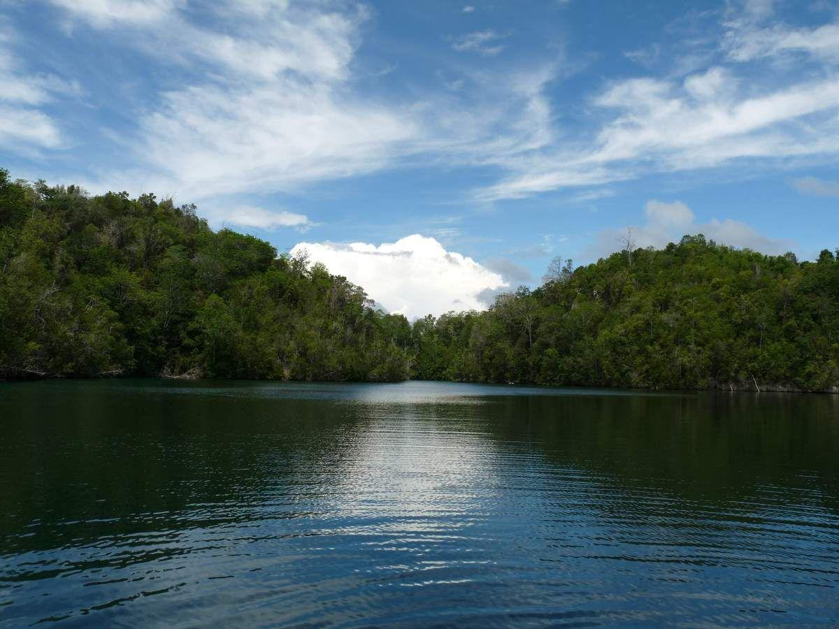 Sulawesi / Togean Islands - Katupat