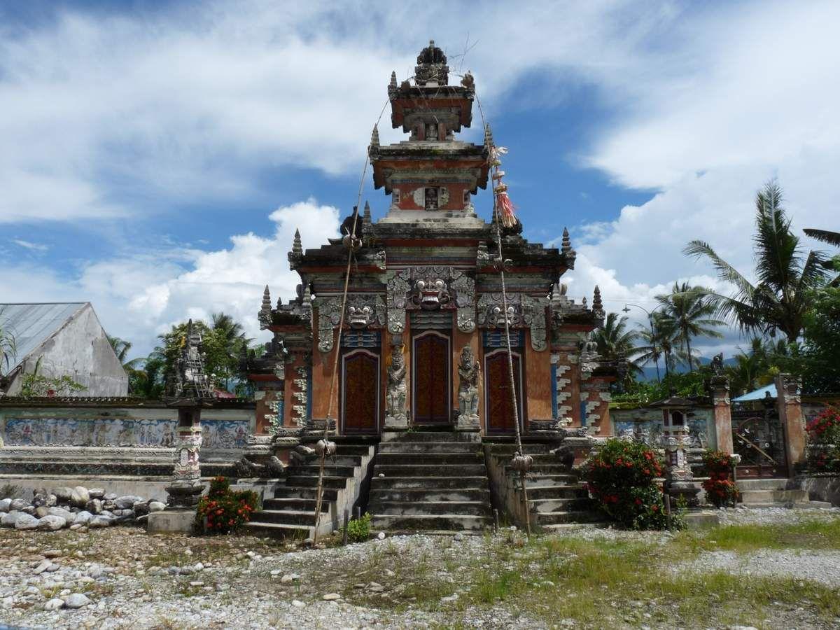 près de Tentena, village Balinais