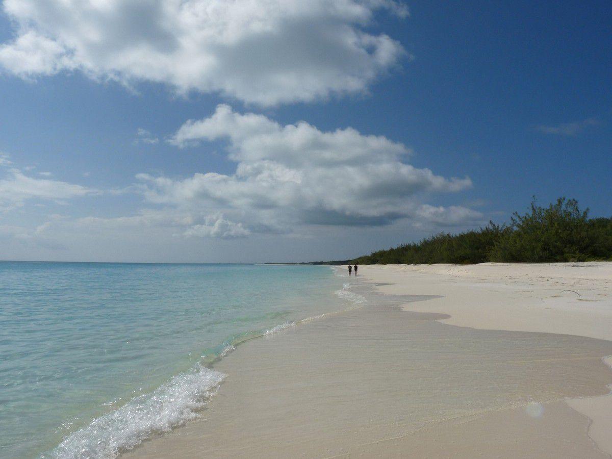 Ouvéa, plage de Mouli qui s'étend sur des kilomètres et des kilomètres...