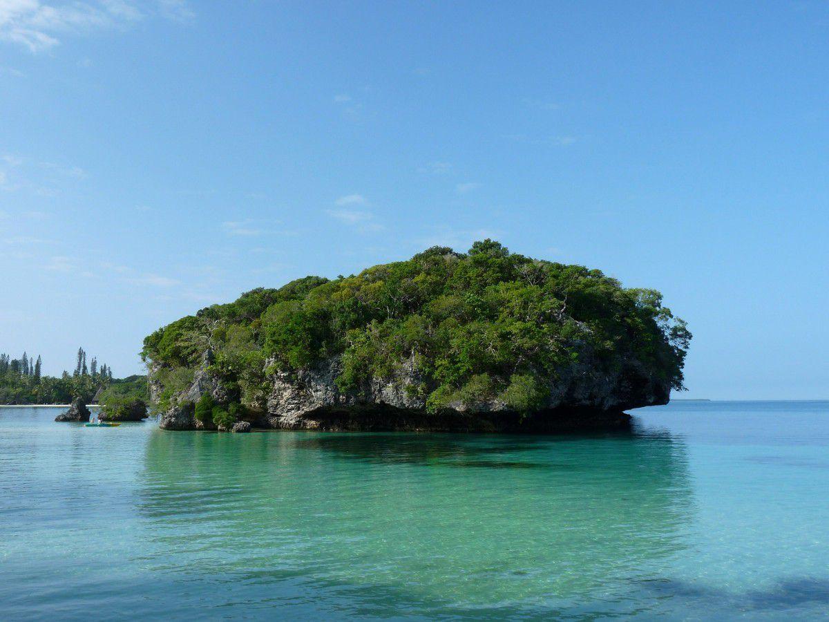 Île des Pins, la magnifique baie de Kanuméra