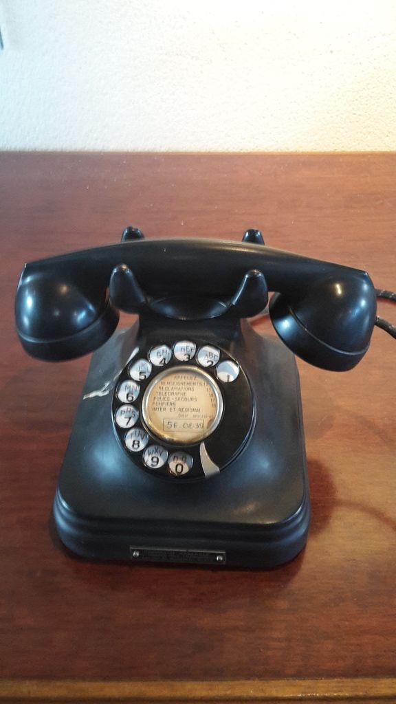 """""""Un vieux téléphone"""""""