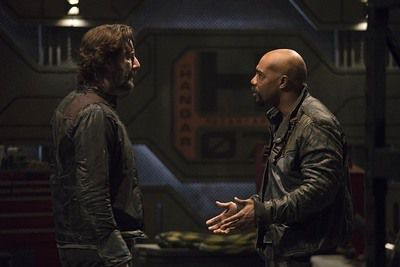 The 100 épisode 8 : de revirement de situation en revirement de situation