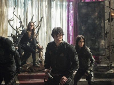 The 100 épisode 16 : Un season finale sous tension