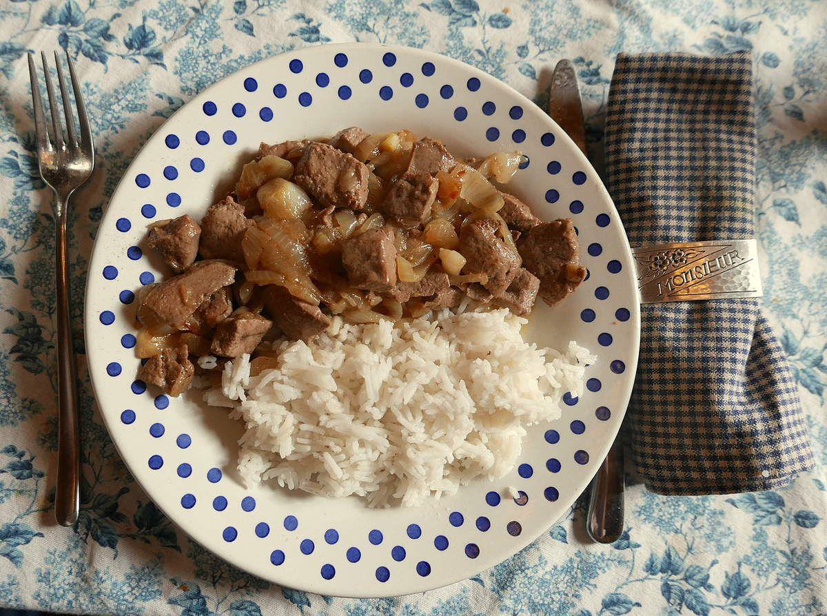 Servir avec du riz, ou de la polenta grillée c'est mieux...