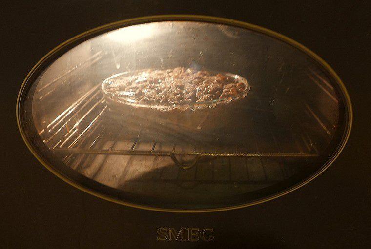 Cuire au four 20 minutes à 180°C. Mettre la chaleur en haut et gratiner...