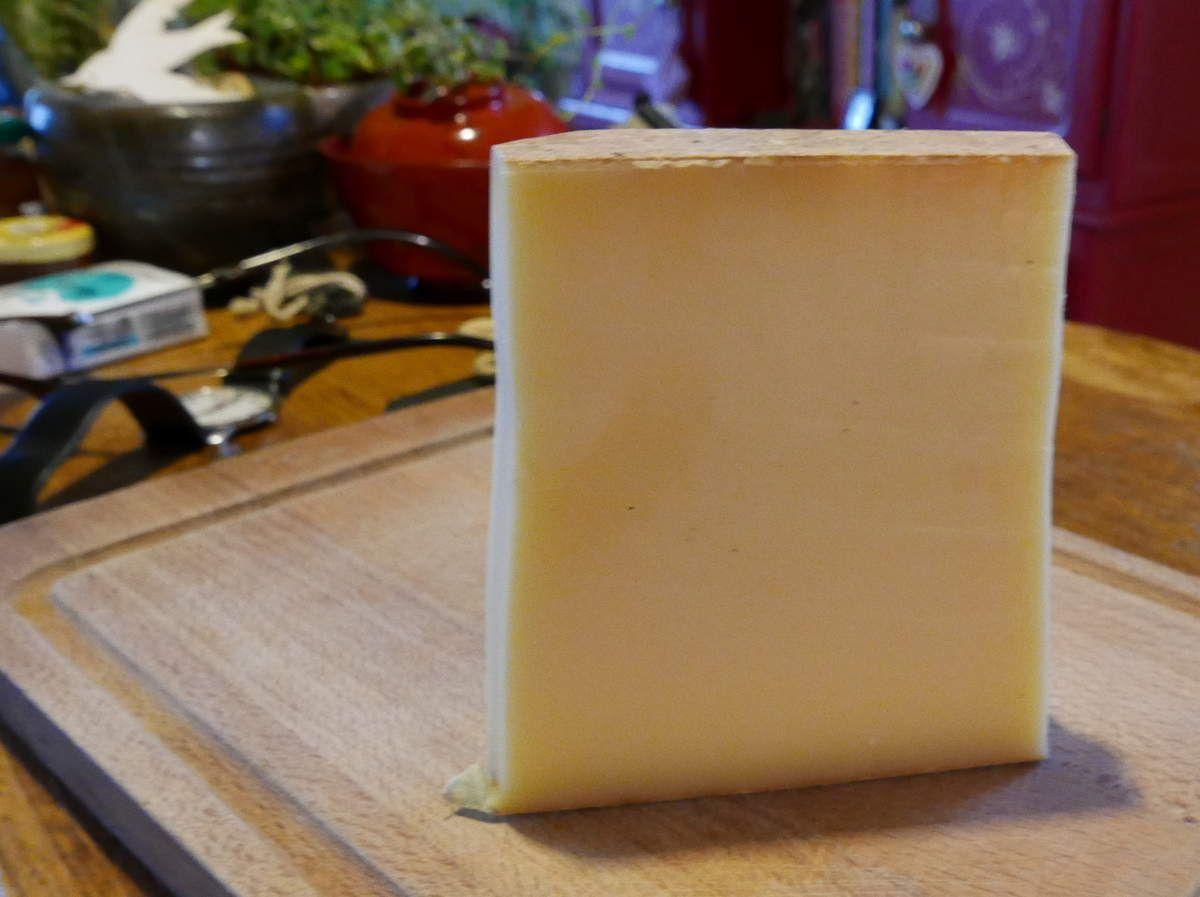 PS: ma religion m'interdit de mettre du fromage râpé sur cette recette (même du parmesan), mais si vous avez un adolescent chez vous, acceptez de lui servir cette délicieuse recette avec un bon morceau de comté...vous aurez ainsi la paix et surtout ses compliments!