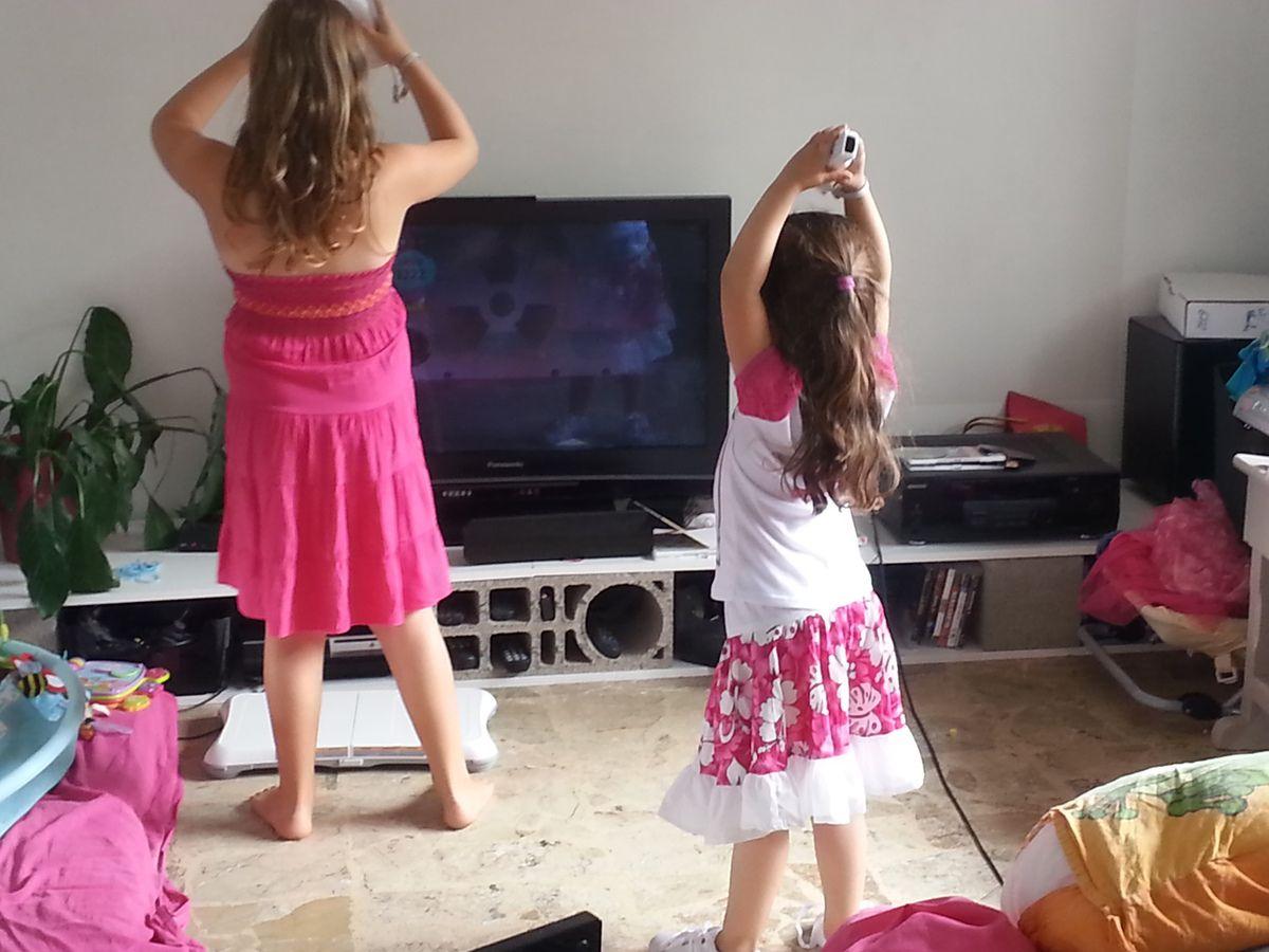 Wii dance ça chauffe ! Et au parc de brochon :)
