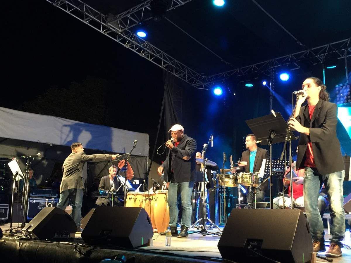 TOROS Y SALSA (DAX) 11 sept 2015