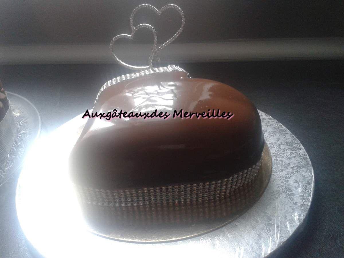 Coeur bomb gla age miroir chocolat noir p tisseries et for Glacage miroir noir
