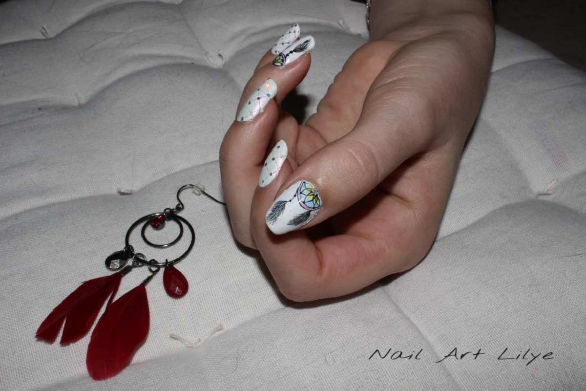 Nail art attrape rêve effet capitonné