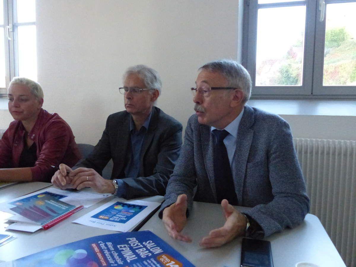Sandrine Delacote de l'AGSU, Gilles Leuvrey et Jean Louis Durand d'E-Pole Sup présentent leur 14ème salon