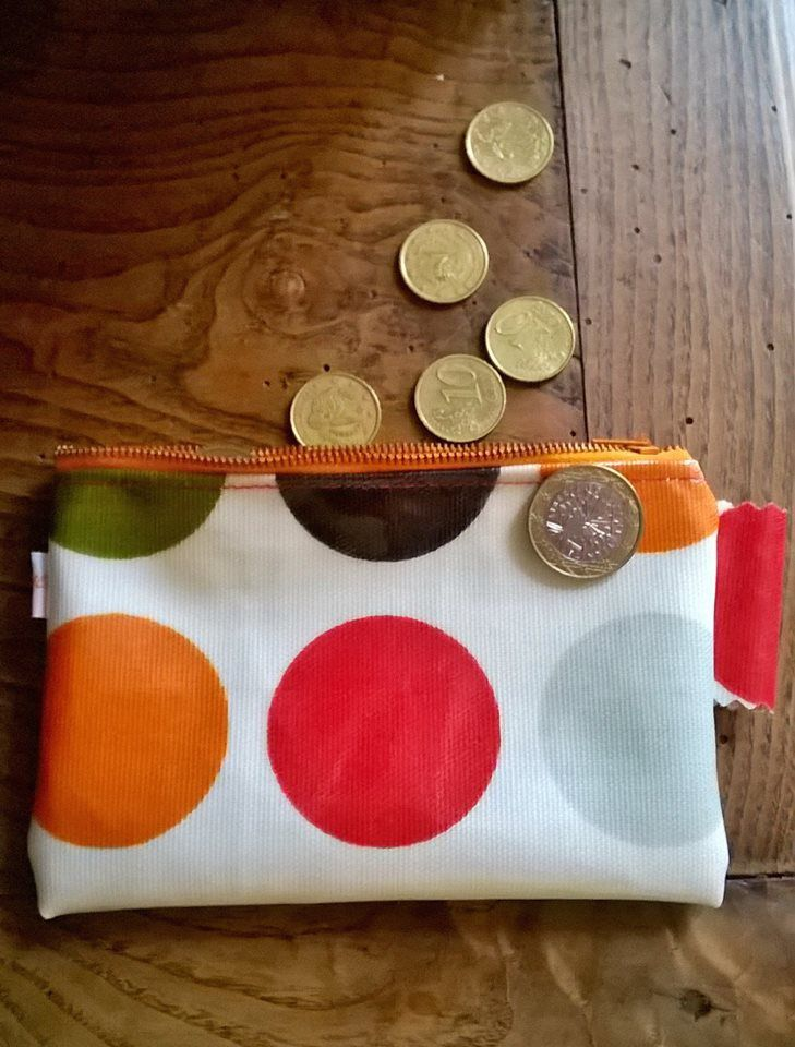 Petite pochette in the pocket