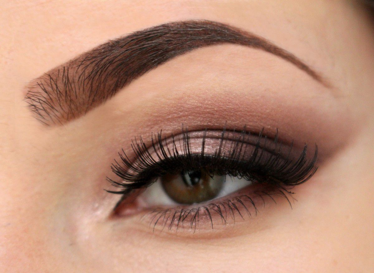 Smokey eye Prune