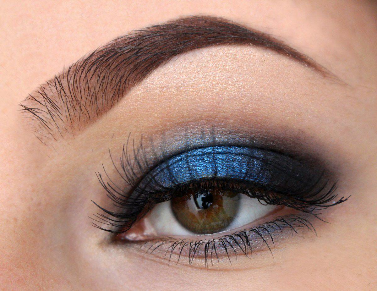 Pop of colour: Deep Blue Makeup