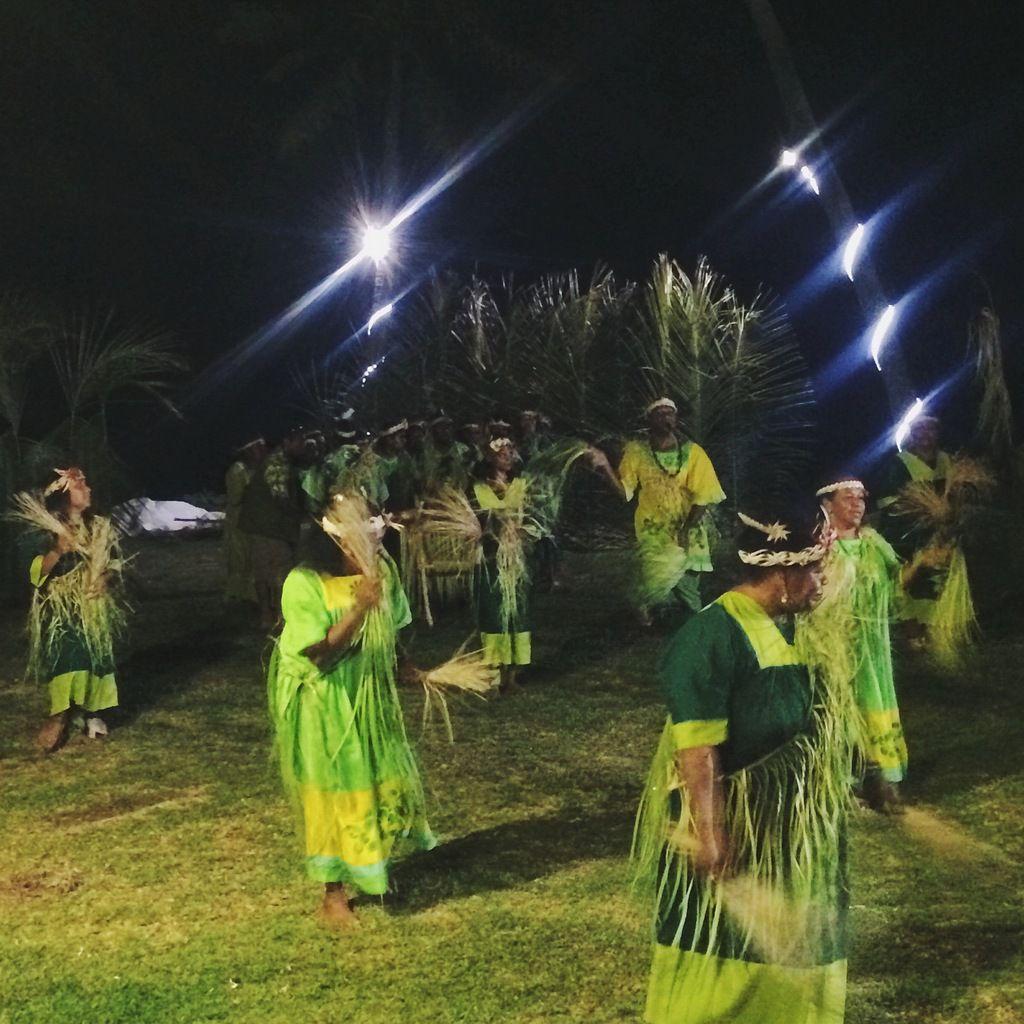 Danses tahitiennes