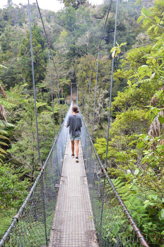 Un pont qui ne tient qu'à un fil...