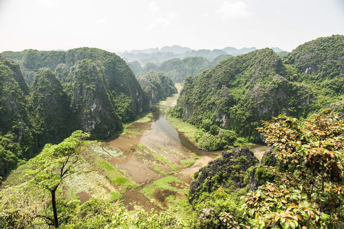 Le site de Tam Coc vu depuis la colline aux 500 marches