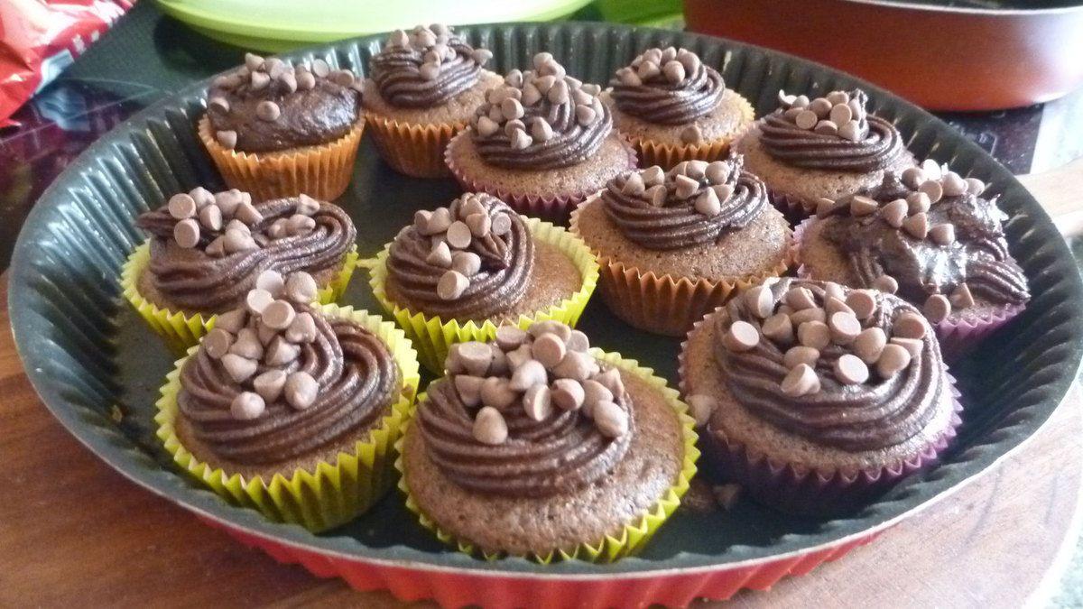 Cupcakes et cakepops, moelleux chocolat, cupcakes, buche, meringues, chocolats maison,  galette des rois, chouquettes, gateau yaourt, cookies, petits gourmands, cupcakes, chouquettes