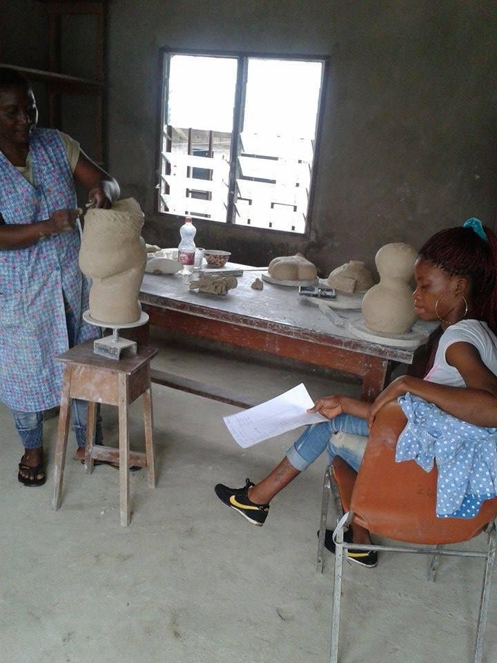 Dernier achats pour le centre de formation des filles de Nyala Douala Cameroun