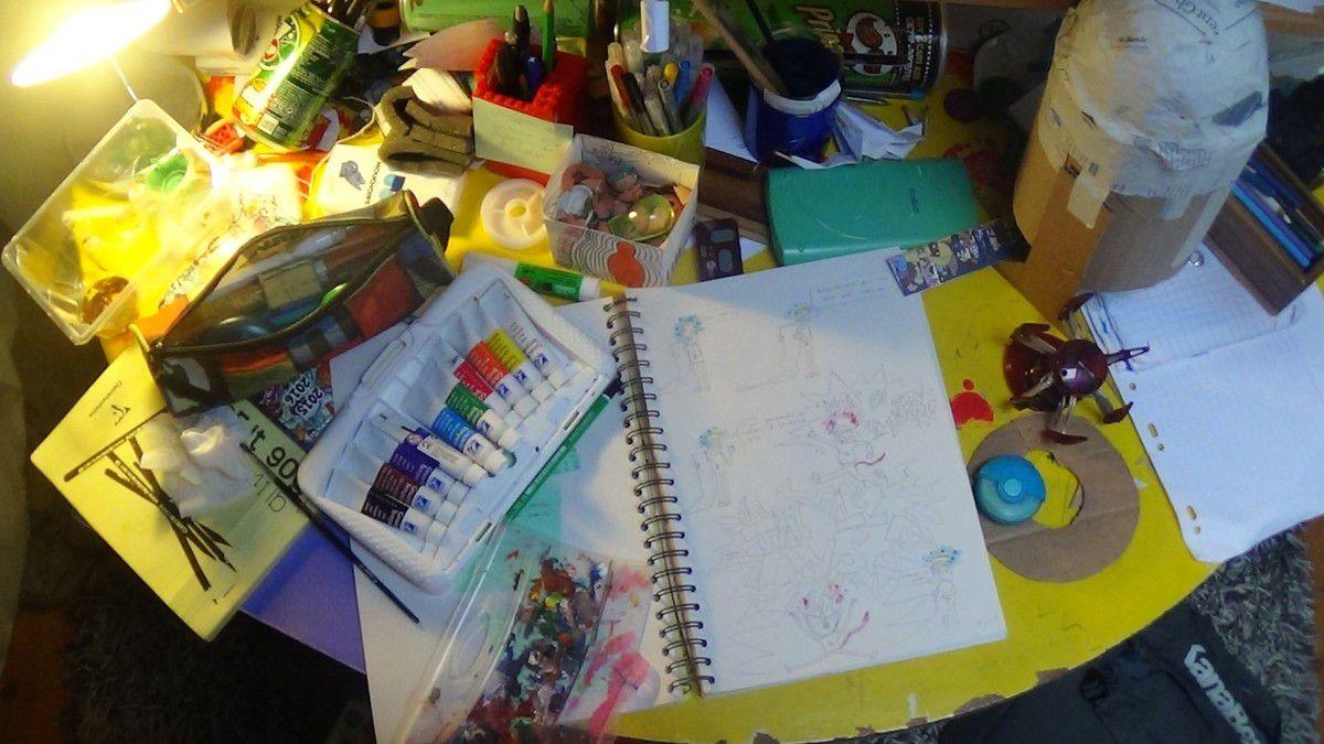 l'atelier de l'artiste (artiste ?!! pfouaa ha ha !!)