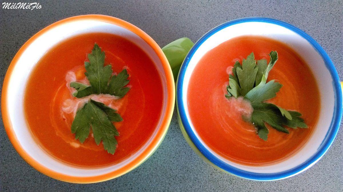 Soupe à la tomate et à la pomme de terre