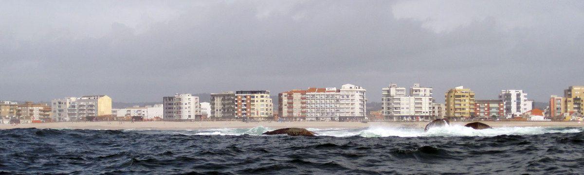 en route pour Porto il ne faut pas longer les côtes de trop près car il y a des rochers isolés.