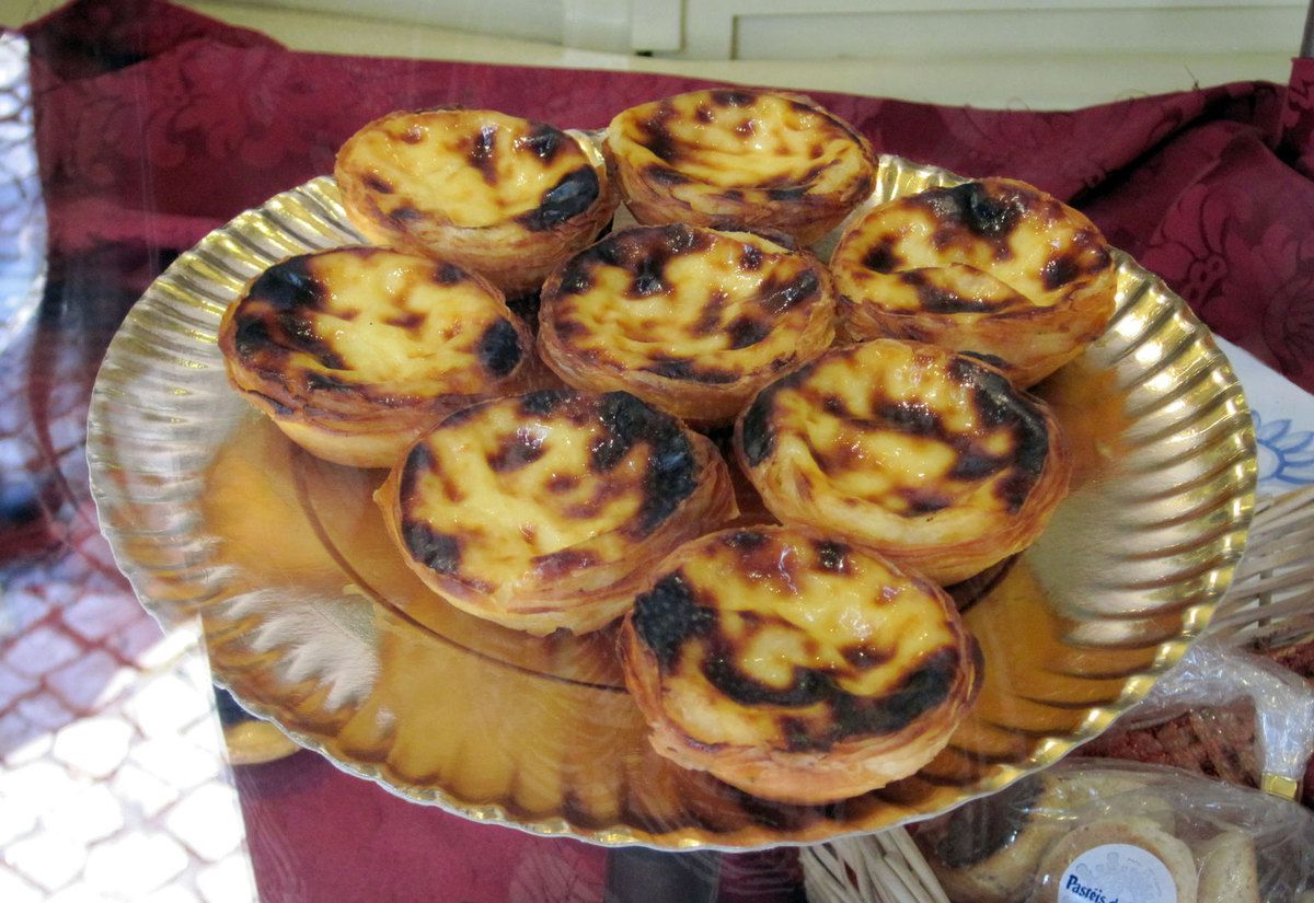 simplement pour ces petites tartelettes les pasteis de Belem (perso je n'aime pas)