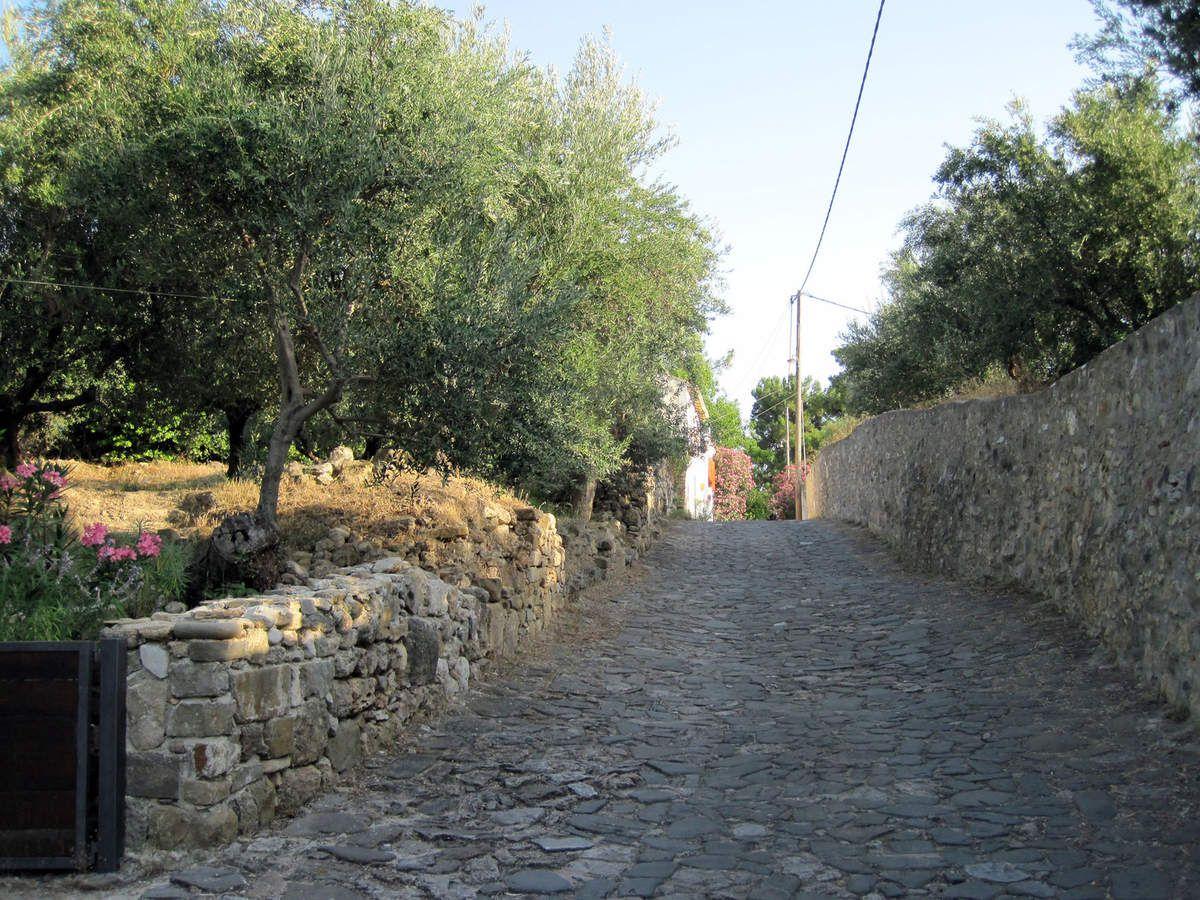 Koroni en remontant vers la vieille ville