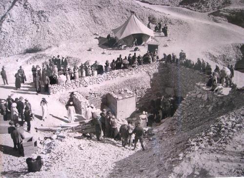 Des salles secrètes et inconnues dans le tombeau de Toutankhamon