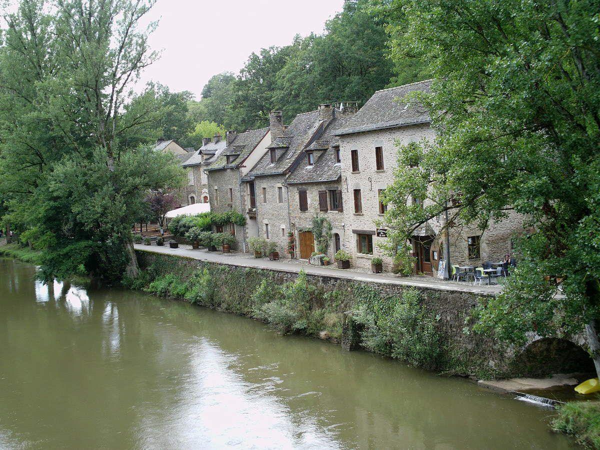 L'Aveyron à Belcastel, département de l' Aveyron.