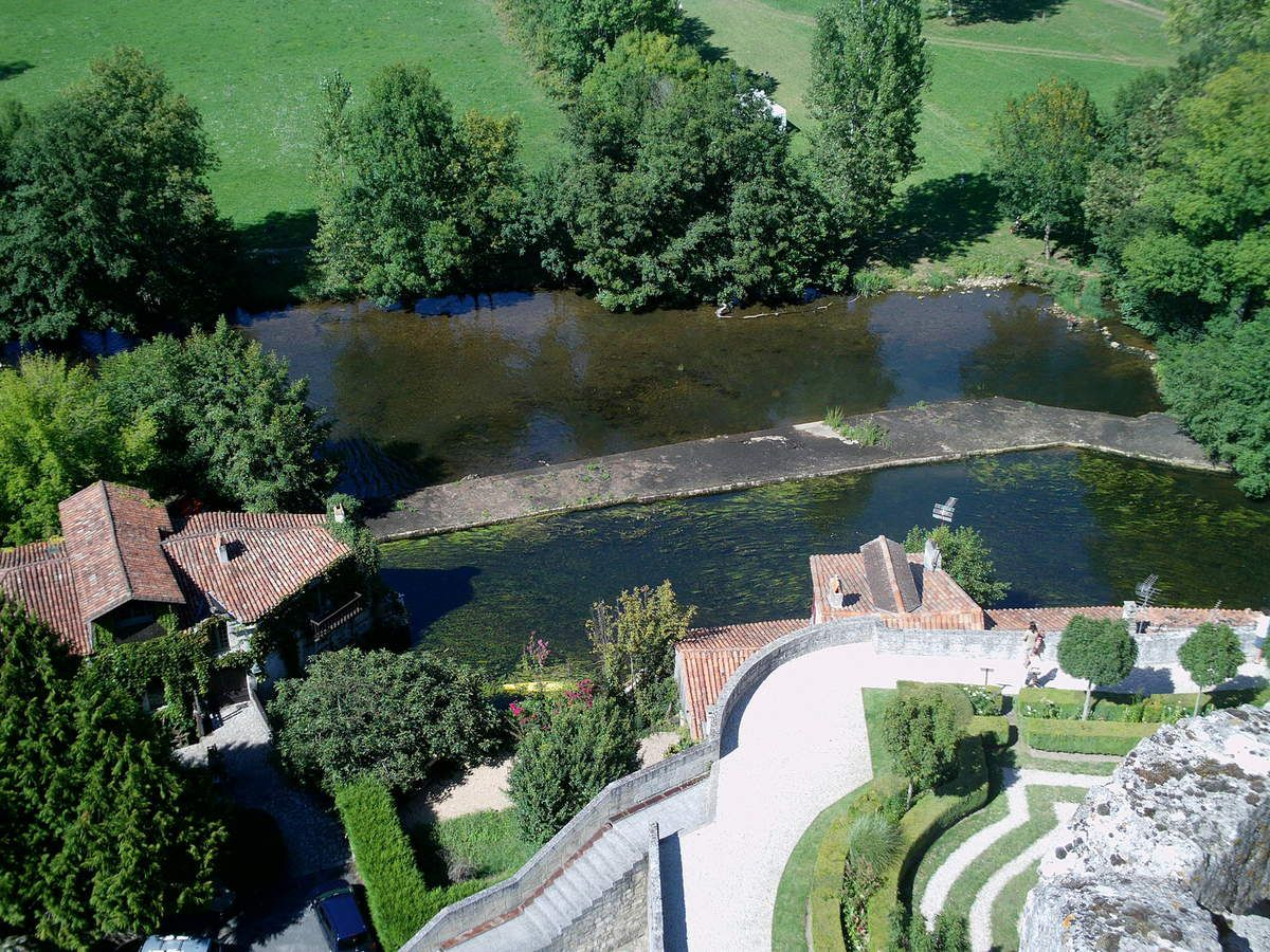 La Dronne à Bourdeilles, département de la Vendée.