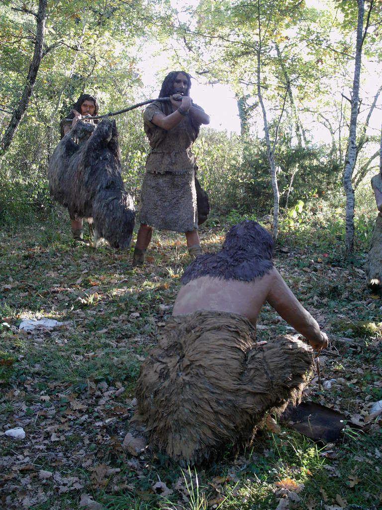 Hommes de Néandertal. Cro-Magnon.Homo Erectus. Art pariétal.