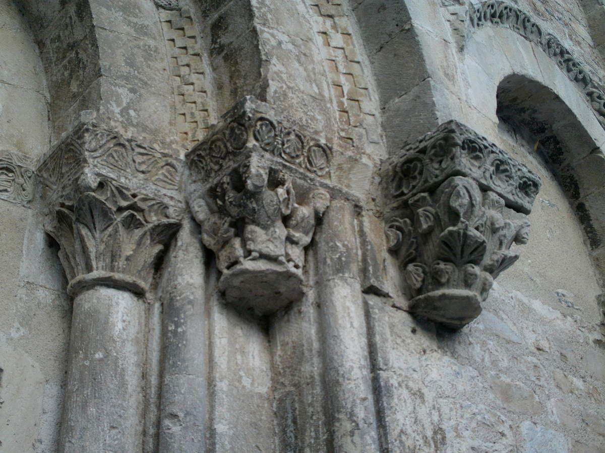 La Collégiale Saint-Pierre de Burlats.
