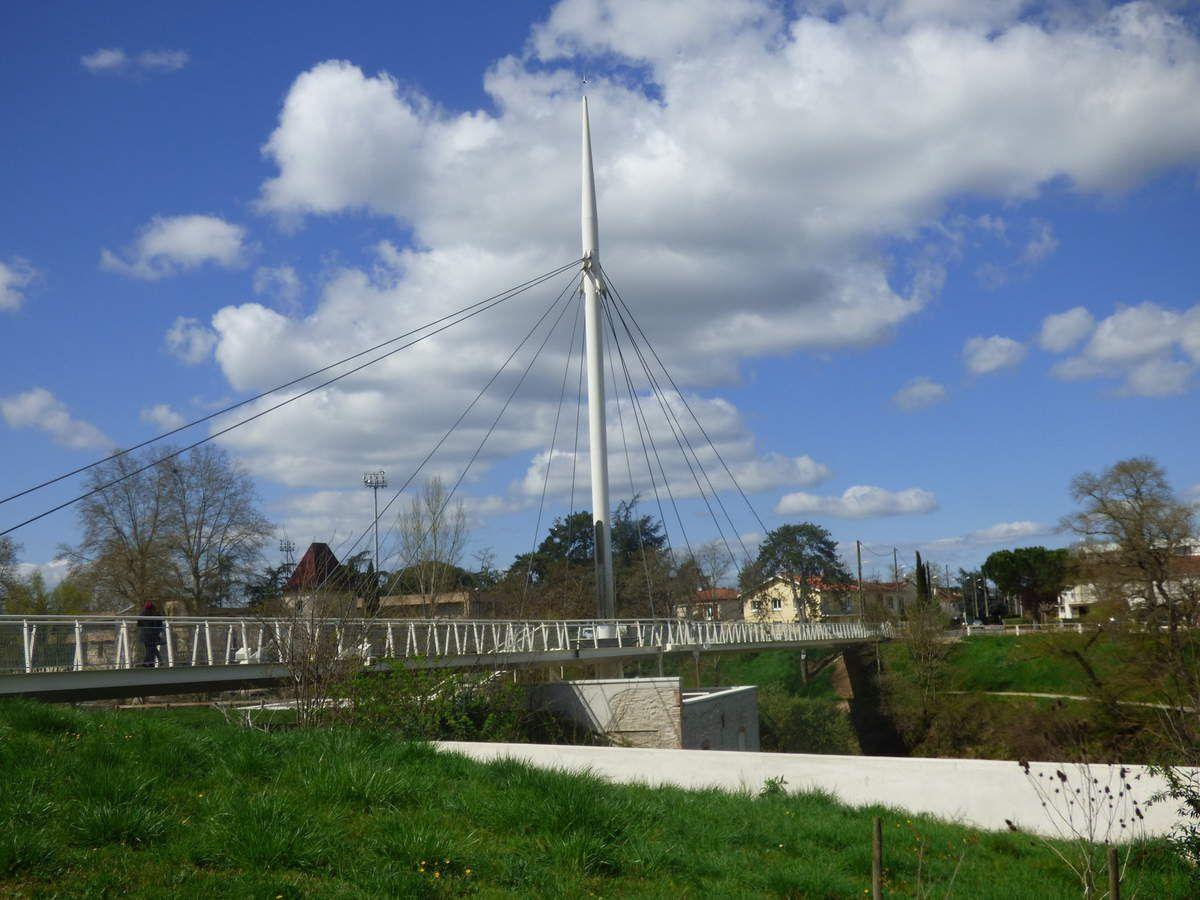 Le pont-passerelle de Graulhet.